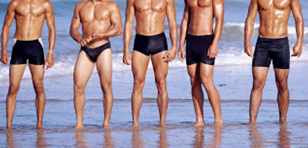 sexy_men_on_the_beach_1600x1200cut