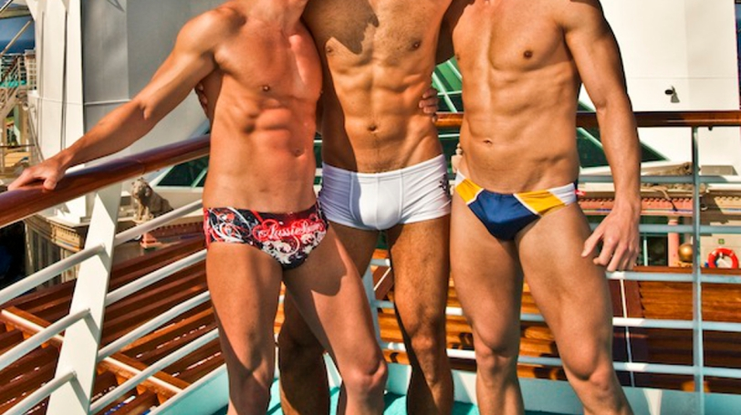 atlantis-cruise-halloween-hot-boys-1